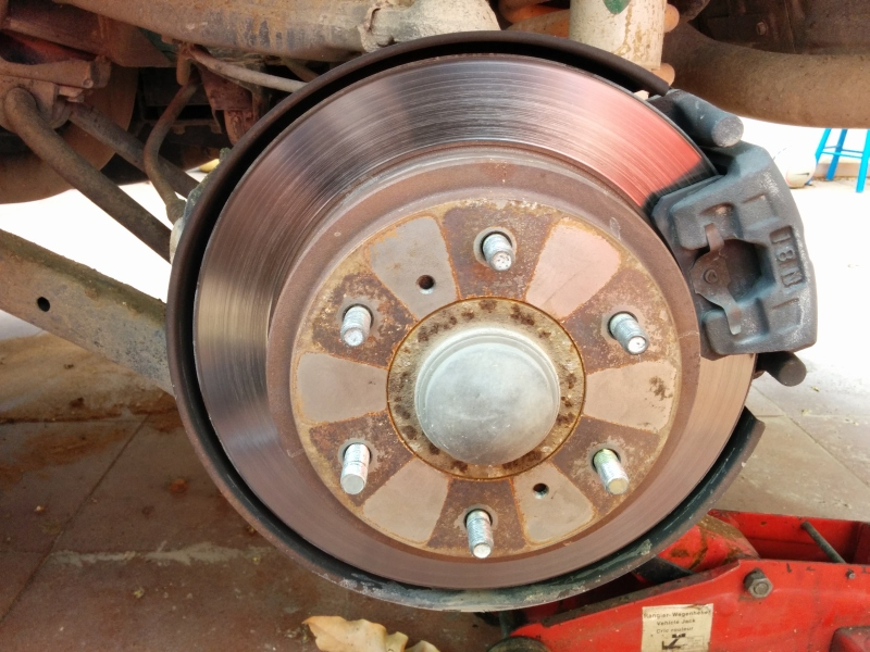 How to replace the rear brakes (and parking brakes) – Pajero